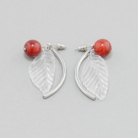 飛騨春慶のピアス 紅/リーフ