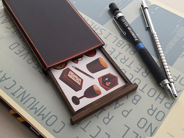 飛騨春慶塗 伝統工芸品 カード・名刺ケース スライド式 2