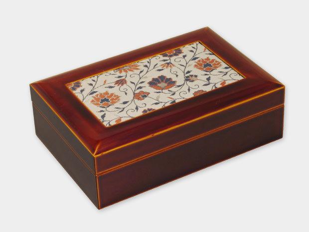 飛騨春慶塗 伝統工芸品 布張小箱 大 古布(緞子) 1