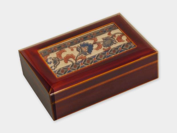 飛騨春慶塗 伝統工芸品 布張小箱 大 古布(和更紗) 1