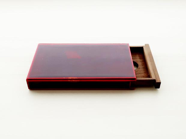 飛騨春慶塗 伝統工芸品 カード・名刺ケース スライド式 大 紅(銀箔) 1